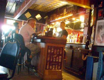 Best Gay And Lesbian Bars In St. Louis - CBS St. Louis